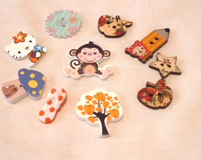 Buttons Mixed Lot Animals Trees and More set of 10  / M25