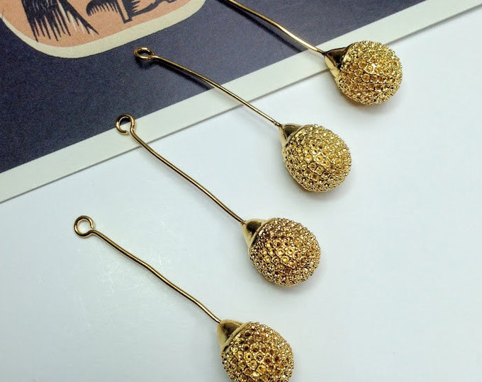 4 vintage brass mesh drop charms / pendants 44x10mm