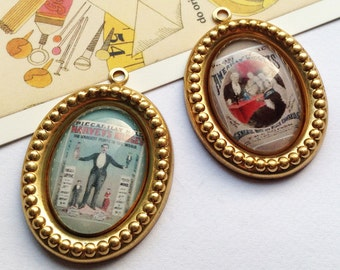 2 Carnivale Circus Acts freakshow domed charms 36x25mm glass / vintage brass 'American Midgets'
