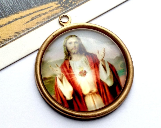 Vintage Sacred Heart Jesus Charm 33x30mm round brass & glass domed medal, religious pendant