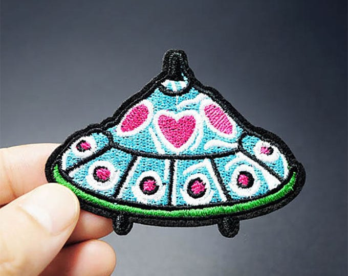 UFO Flying Saucer iron on patch 54 x 72mm Spaceship sci-fi retro style embroidered badge for jackets, bags, jeans etc.
