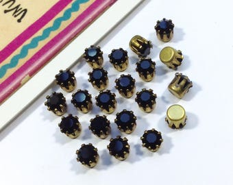 12 vintage Swarovksi Jet Black glass rhinestones 4.5mm