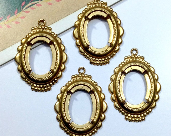 4 Vintage Brass Ornate 18x13mm settings for cameo / cabochon, pronged / open back