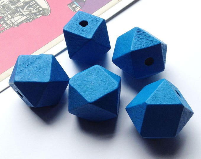 5 Bright Blue Hinoki Wood Polygon Beads 20mm for geometric necklace making