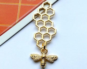 Gold Dipped Honeycomb & Bee Charm 46x16mm