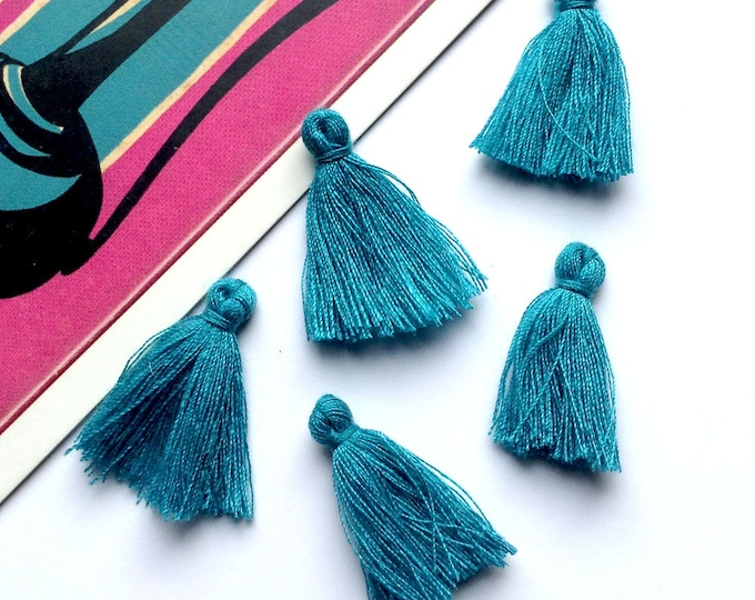 10 mini Peacock Blue tassels 25mm Bohemian Moroccan / Indian style