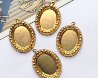 4 Vintage beaded Brass Settings for 18x13 cabochon / flatback cameo