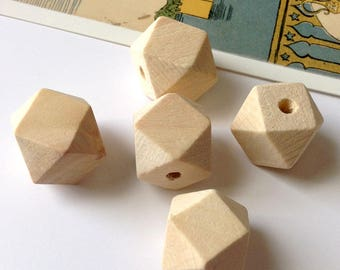 5 Natural Wood Geometric Beads 20mm