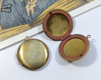 Vintage runden Medaillon aus Messing 25mm Kupfer ausgekleidet Medaillon Anhänger für Halskette, hergestellt in USA #55E