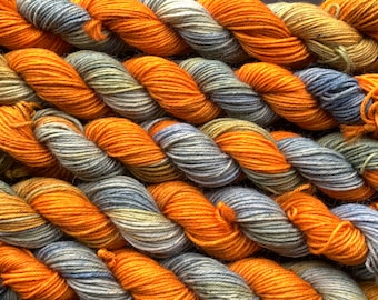 Summer Day - 20g mini skein - 4ply platinum sock yarn - 75/25 BFL (Blue-faced Leicester) superwash wool and nylon - blue and orange