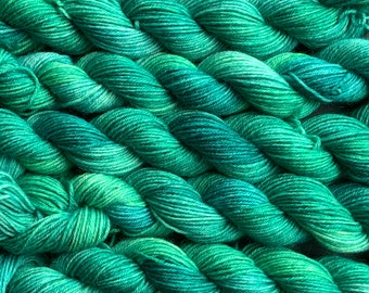 Conifer - 20g mini skein - 4ply platinum sock yarn - 75/25 BFL (Blue-faced Leicester) superwash wool and nylon - green variegated