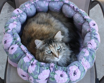 Pet Birthing Bed, Round Pet Bed, Washable Pet Bed, Handmade Pet Bed, Gray Pet Bed, Multiple Pets Bed, Large Pet Bed, Fabric Pet Bed, Pet Bed
