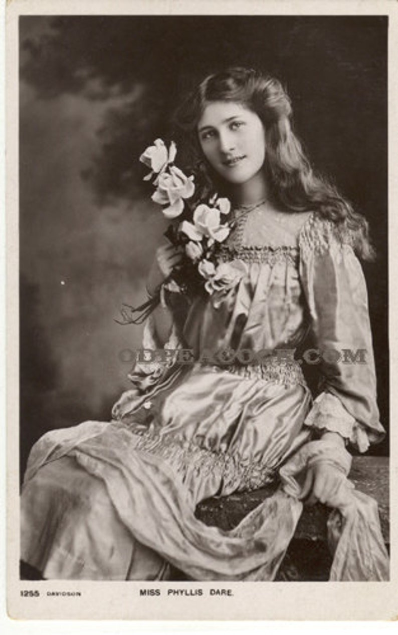 Phyllis Dare lily theater actress postcard British photo stage image 0