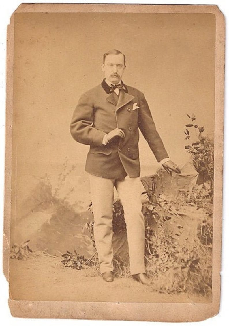 Sarony cabinet card opera or theater star dashing photo NY image 0