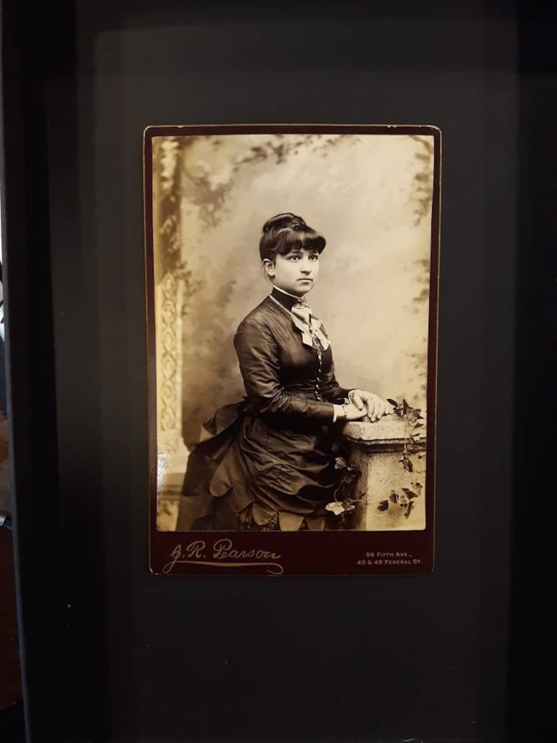 Bustle and Bangs vintage cabinet card photo pretty woman image 0