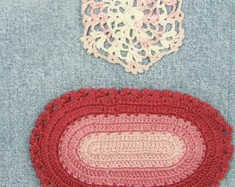 Miniature dollhouse rug and doily, oval crochet rug, pink dollhouse decor