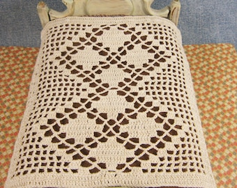 Victorian style dollhouse bedspread with diamond motifs and filet crochet, miniature crochet bedspread, ready to ship