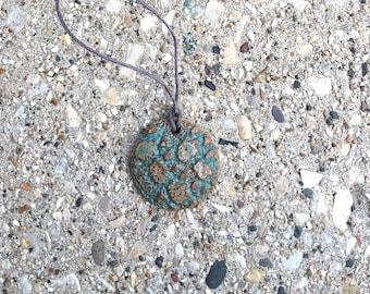 green porcelain pendant, lace impression