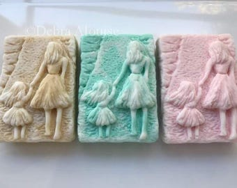 Mother Daughter Walking Hand in Hand Silicone Soap Mold Mothers Day Love Wedding Shower Handmade DIY High Quality USA Glycerine Melt Pour