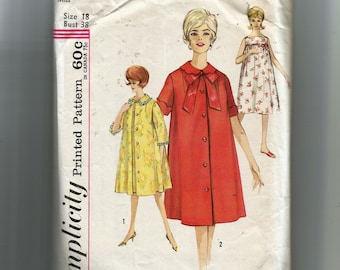 Simplicity Misses  Nightgown and Robes Pattern 4214 633a09293