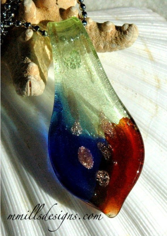 Red, Blue & Light Green Glass Pendant Necklace
