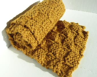 Gold Chunky Knit Scarf / Bulky Knits / Warm Knit / Thick and Reversible