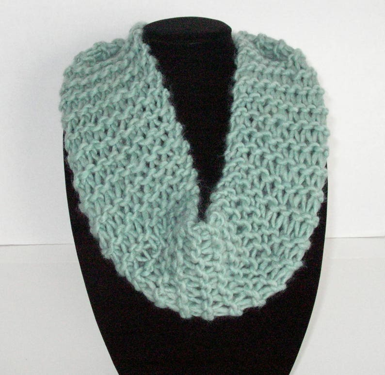 Light Green Knit Scarf / Hand Knit Green Circle Scarf / Green image 0