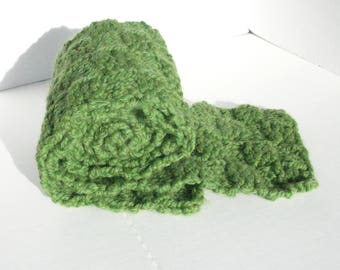Green Chunky Knit Scarf / Bulky Knit Scarf / Thick Knit Scarf / Reversible
