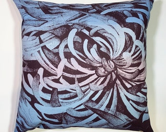 bold spider mum floral pillow cover