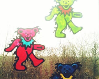 GD... DaNCiNG BeaR... ViNyL DeCAL - CLiNGs on to WiNDoWs and MiRRoRs - ReMoVes Easy and STiCKs AGaiN - Ready2Ship... Ooak