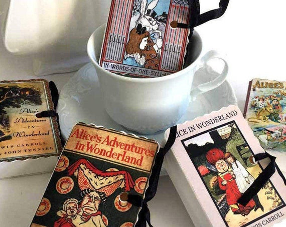 Wonderland Miniature Book Box Party Favors   35 Personalized Favor Boxes for Mad Hatter Tea Parties Birthdays Showers