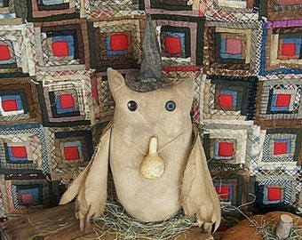 Primitive Owl Doll wearing Black Witch Hat, Witch Owl, Owl Witch, Grungy Owl - READY TO SHIP