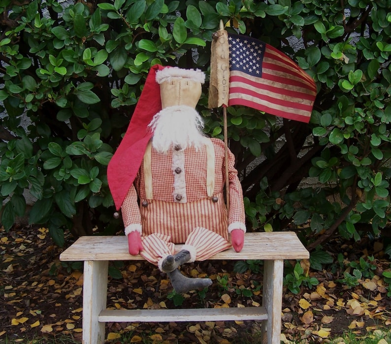 BIG 32 Primitive Santa Doll with or without American image 0