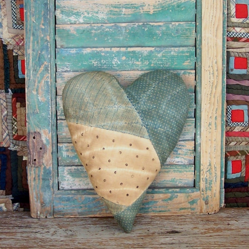 Blue Heart Pillow made from Antique Quilt Country / image 0