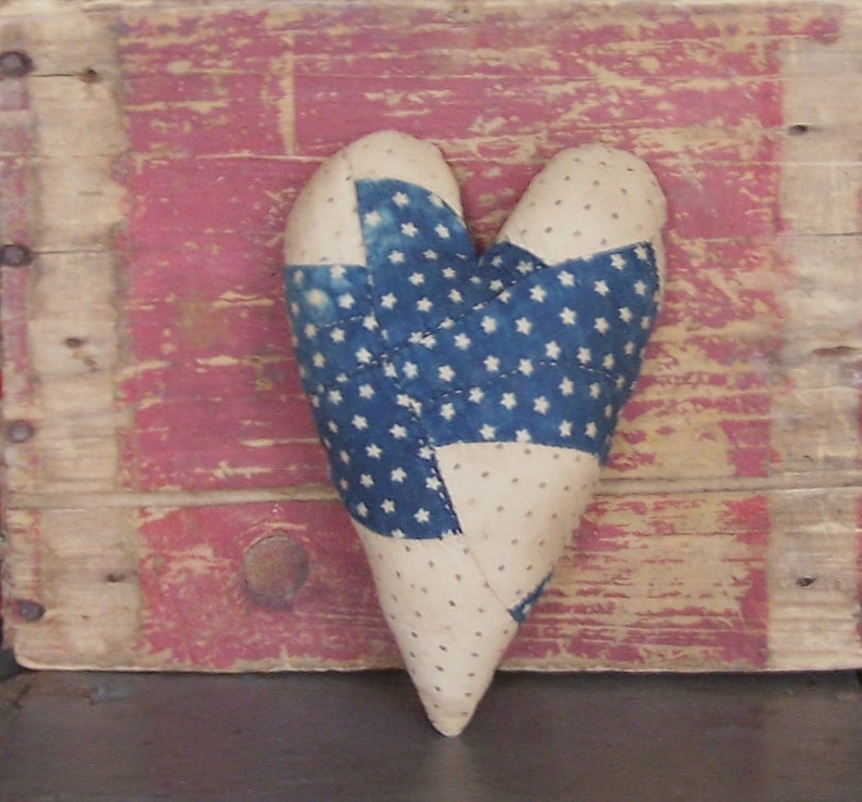 Primitive Heart Ornament Americana Bowl Filler Rustic image 0