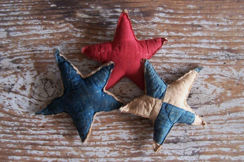 3 Stuffed Tattered Stars Antique Quilt Bowl Fillers or image 0