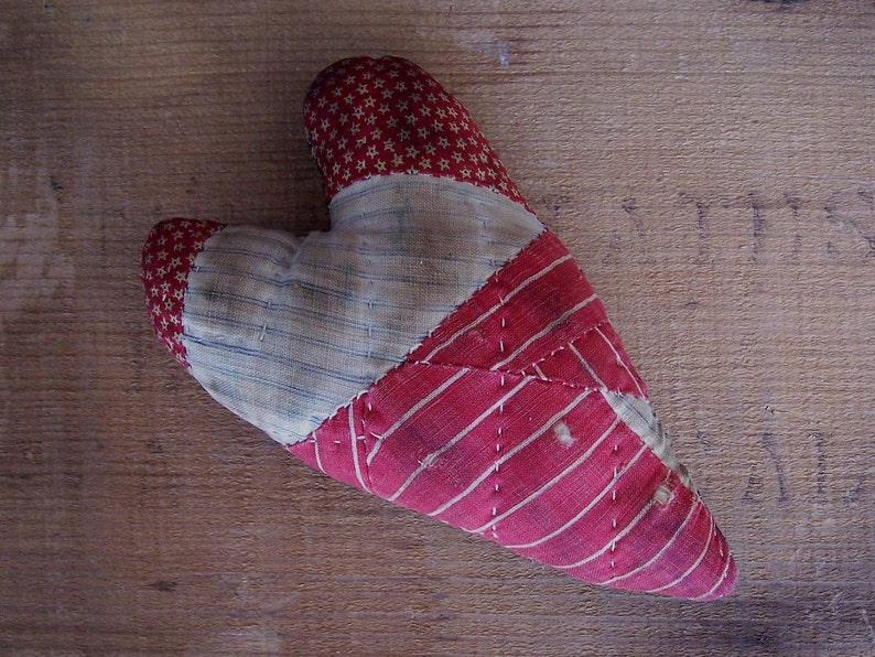 Primitive Christmas Ornament Antique Quilt Heart Rustic image 0