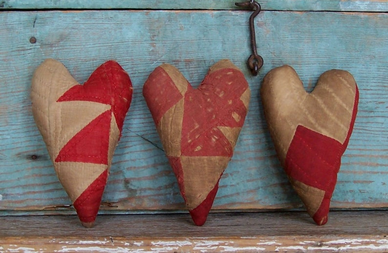 3 Antique Quilt Hearts Red and White  READY TO SHIP image 0