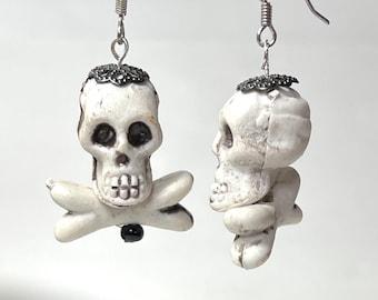 Skull earrings, Halloween skull & crossbones earrings. Hooks or clip on. Gothic, goth, punk, jewelry, accessories. Halloween jewelry.