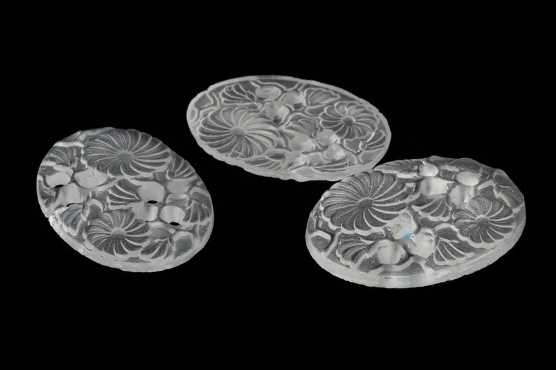 12.5mm x 17.5mm Matte Crystal Ornate Floral Oval Cabochon #XS57-D