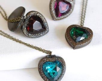 CLEARANCE . regency . jeweled heart locket necklace . antiqued brass heart locket . victorian locket pendant . vintage glass heart crystal