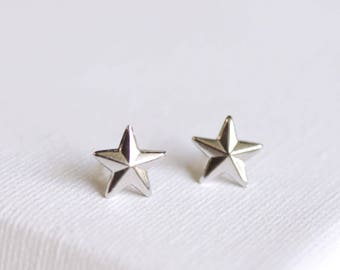 SALE . nautical star stud earrings . silver star earrings . simple star studs . star jewelry . nautical jewelry . tiny star studs