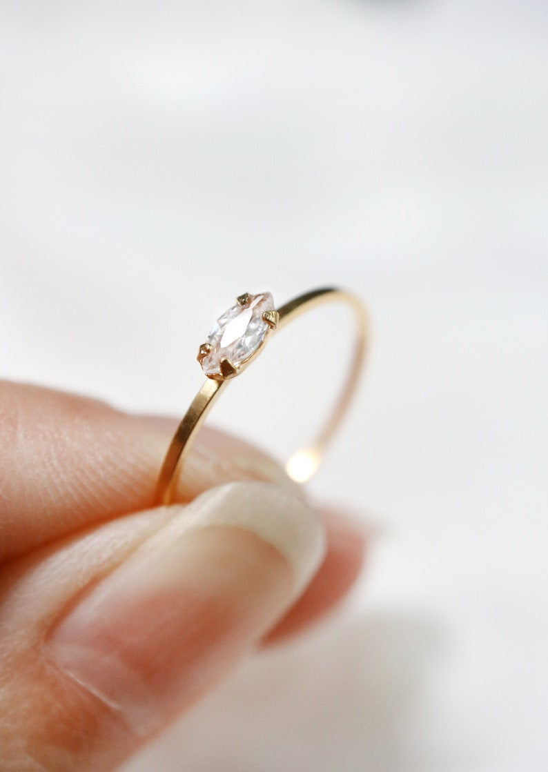 14K Gold Floral Marquise Shaped Wedding Ring  Geometric Wedding Ring  Minimalist wedding ring  Stack Ring  Delicate Ring  Yellow Gold