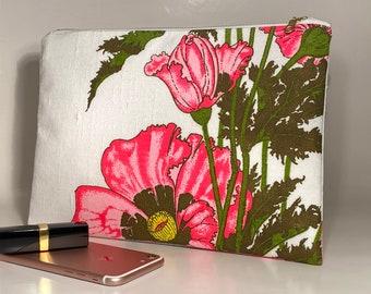 Linen Clutch Purse, Simple Purse, Summer clutch, Alfred Shaheen fabric clutch bag, Floral Clutch, Zip Pouch
