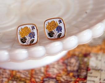 vintage enamel flower posts- dandelion squares