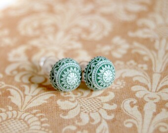 scandinavian posts - vintage forest green folk earrings- holiday winter theme- fair isle