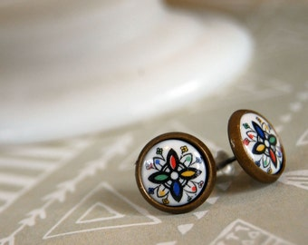 Kaleidoscope style vintage framed post earrings -aged brass