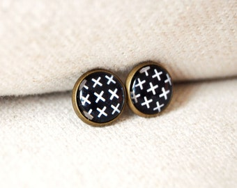 framed post earrings- graphic X pattern in black and white- geo- modern- kisses