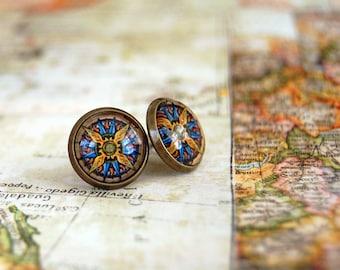 vintage compass framed post earrings- antique brass- world traveler