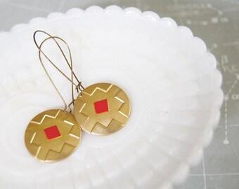 earrings. (dangle)